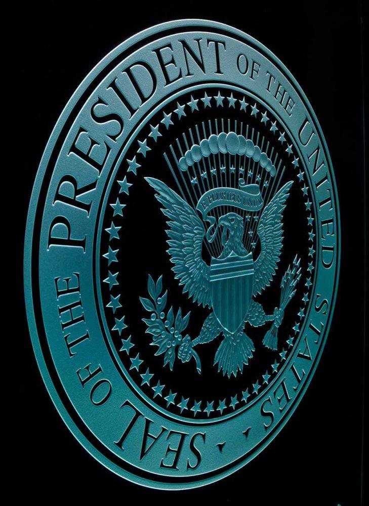 US Presidential Seal Signs Sans Soucie