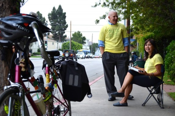 Mike Bonin and SaMo Next Advisory Board Member Joni Yung at the LACBC Bike/Ped Counts last year. Photo: David Graham Caso/Office of Mike Bonin