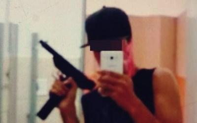 Estudante aponta arma falsa para colegas para 'testar segurança' de escola