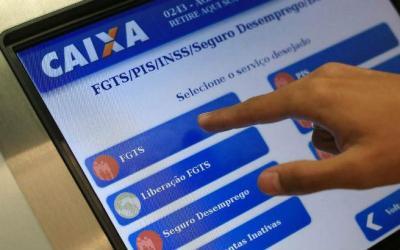 Saque do FGTS: nova lei é sancionada e limite sobe para R$ 998
