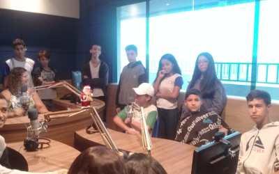 🎧 😍  Alunos visitam a Rádio Santana FM