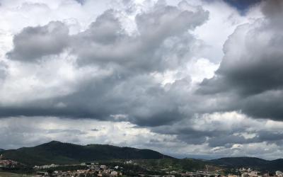 Fim de semana de Páscoa tem previsão de tempo parcialmente nublado