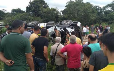 Pai e um dos filhos gêmeos morrem em acidente próximo a Cláudio