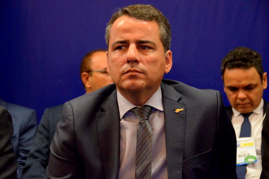 AMM desmente que municípios sejam obrigados a fechar comércio não essencial