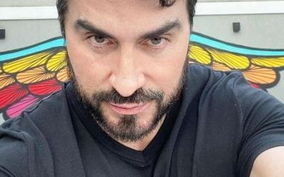 Padre Fábio de Melo faz 1º tatuagem em homenagem à mãe
