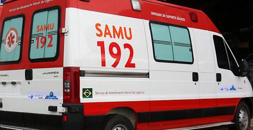 SAMU socorre duas vítimas de queda de moto em Itaúna