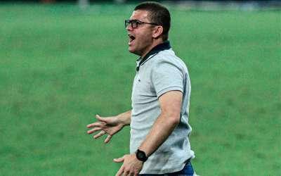 Umberto Louzer desiste de acordo com o Cruzeiro