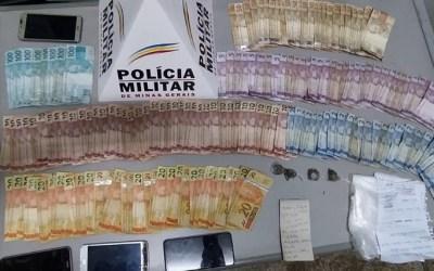 Jovem é detido com drogas e mais de R$ 3 mil