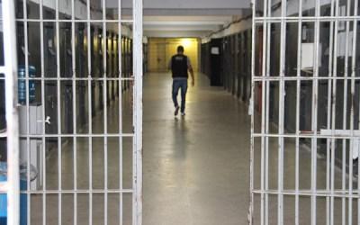 Ministério autoriza retorno gradual de visitas presenciais a presos