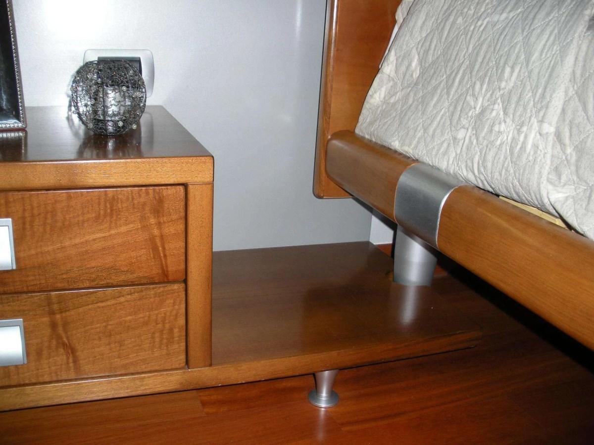 comodini in legno su misura