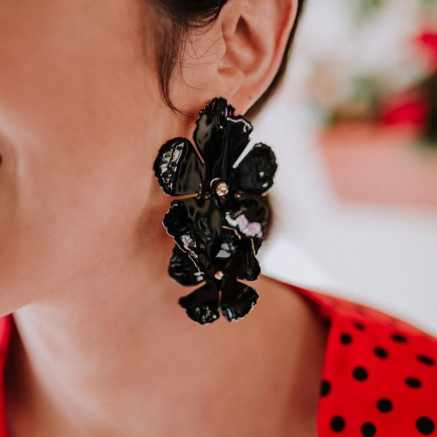 pendientes-maxi-flor-negro-1
