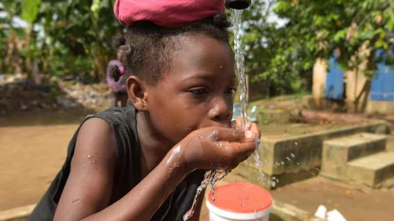 Pourquoi l'eau est la meilleure boisson pour les enfants