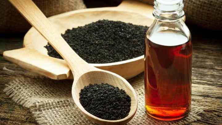 Graines de cumin noir (Nigella sativa) pour traiter naturellement le cancer