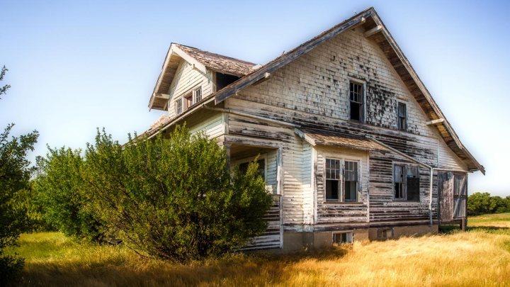 Comment discerner si les mauvais esprits se cachent dans votre maison