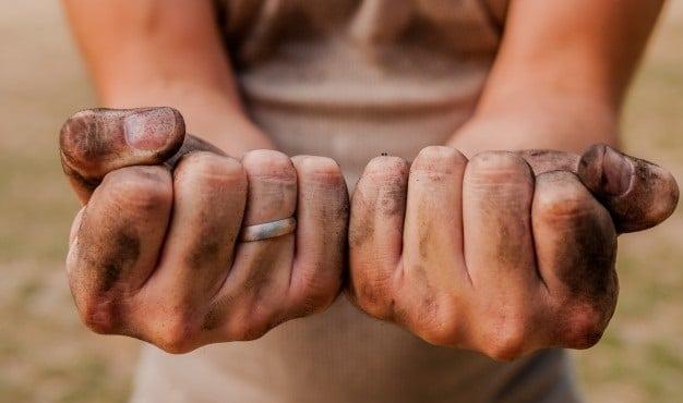 7 remèdes maison pour la peau des mains gercées