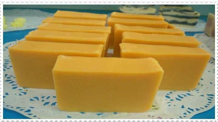 Comment faire du savon blanchissant la peau à la maison