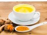 Avantages du lait de curcuma chaud – Recettes pour un meilleur sommeil