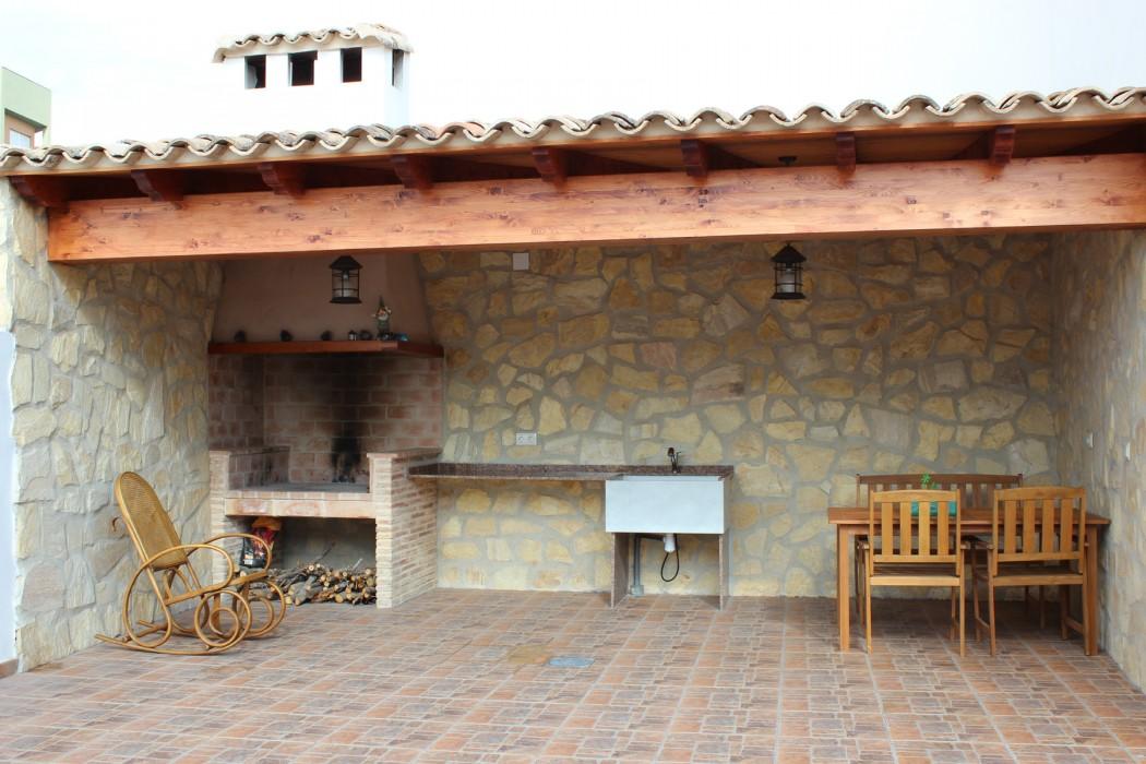 Vivienda entre medianeras en Villamarchante  Santiago Darder Arquitecto Tcnico