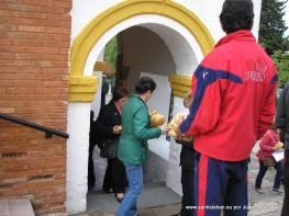 Reparto de la Caridad Pascuamayo 2013