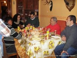 La familia de la casa del santo con la corporación municipal