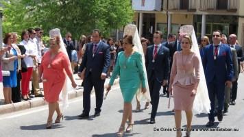 Saliendo de la Fiesta de Pentecostés