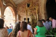 Virgen del Collado saliendo del templo