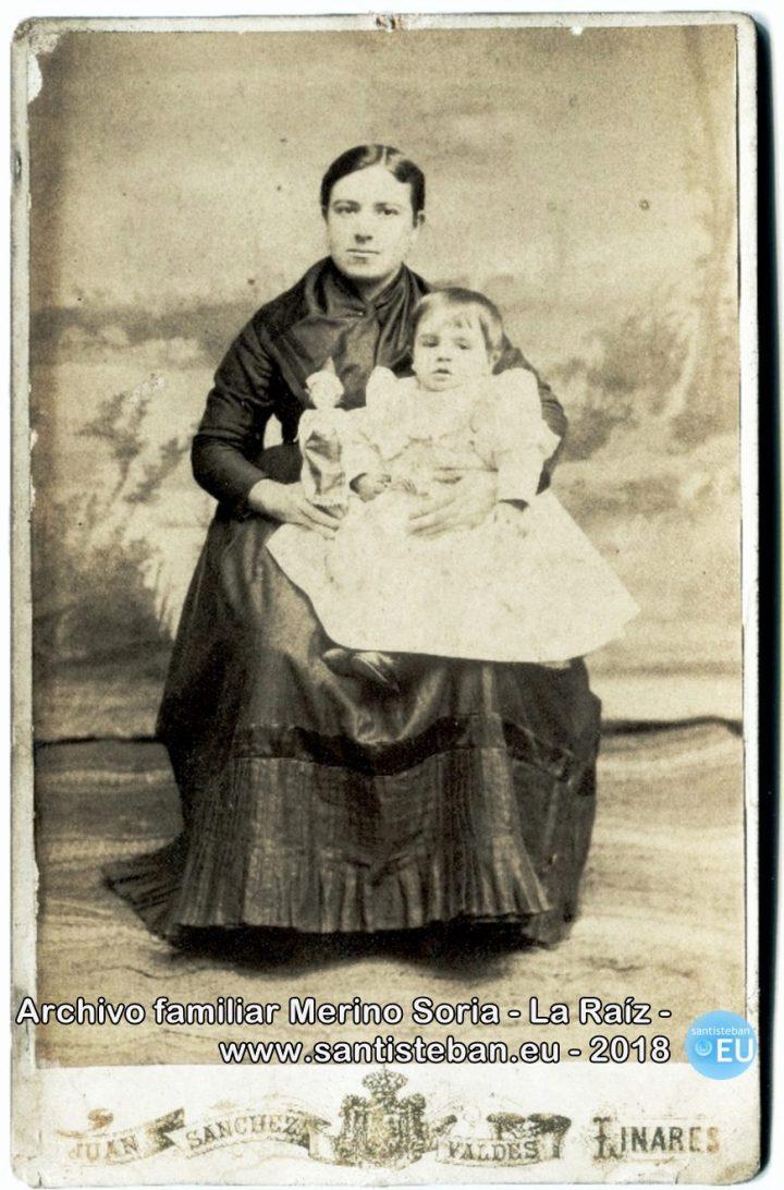 Mi tatarabuela Lorenza Ruiz Olivares, con el niño Mariano Sanjuán Sanjuán.