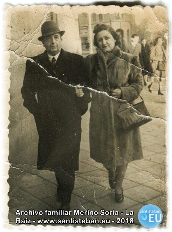 D. Mariano Sanjuán y su esposa Dª Petra Marínez, paseando por Madrid. Década de los 40.