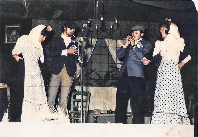 Representación teatral. El peligro rosa. (Hermanos Quintero) Cuadro Artístico ILUCIA. Teatro Coliseo España. Año 1973. Fototeca de El Chinero.