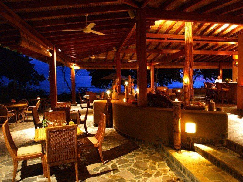Santo-Domingo-Las-Terrenas-Restaurant-Night