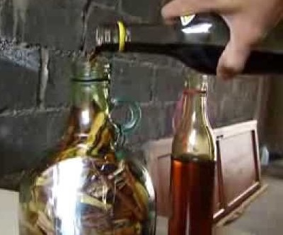 Making Dominican Mamajuana