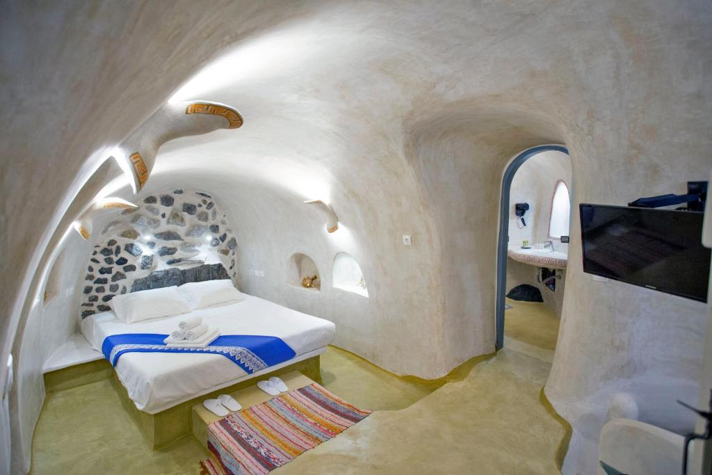AURA CAVE in Santorini  2019 PricesPhotosRatings  Book Now