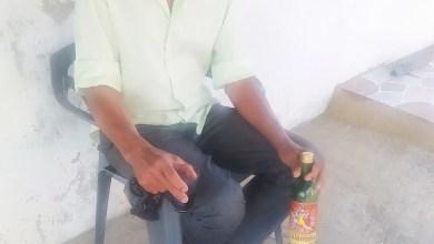 Photo of Reconocidos bebedores de ron en Montecristi ahora compran vinos por temor a morir intoxicados