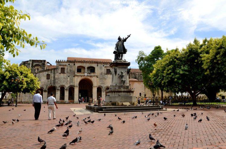 Estatua Cristobal Colón.