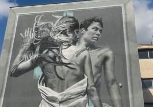 il murales Outside in