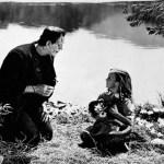 La prima trasposizione cinematografica, diretta dall'inglese James Whale, risale al 1931