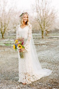 Fabulous Fall Wedding Dress Ideas: Long Sleeves And Lace