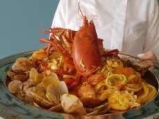 6. linguine all'astice e frutti di mare