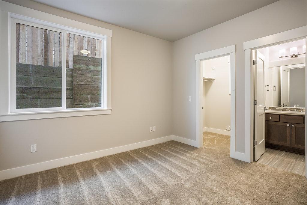 En suite guest room bottom floor