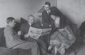 من اليمين آغاثا وزوجها آرتشي سنة 1922