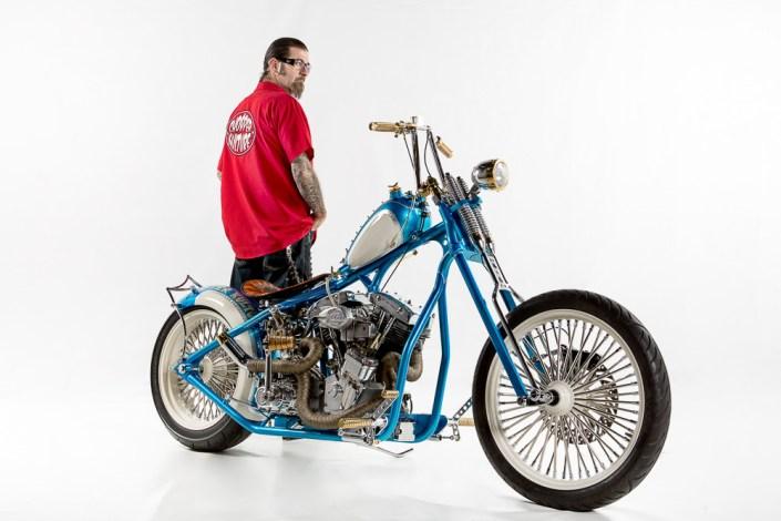 Portrait Studio weiß Chopper Motorrad Biker