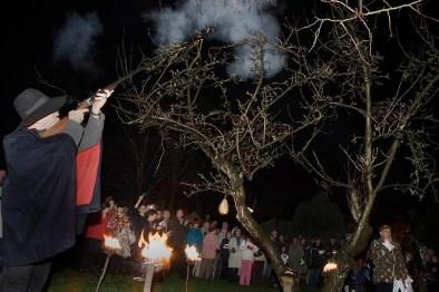 Wassailing ceremony, Sompting Village Morris, Tarring, Sussex, 2007