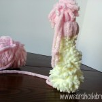 Yarn Snowmen With Hats - Push pieces together |Sarah Celebrates