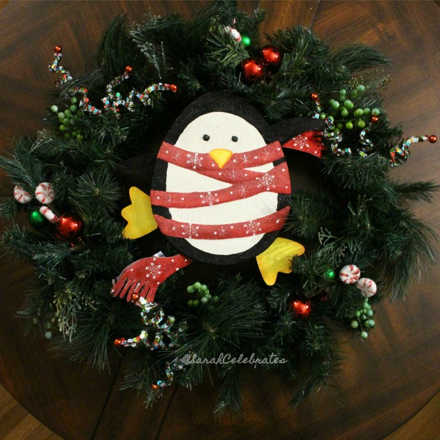 1 2 3 Christmas Wreath - All done! 1 2 3 DIY Christmas Wreath | Sarah Celebrates