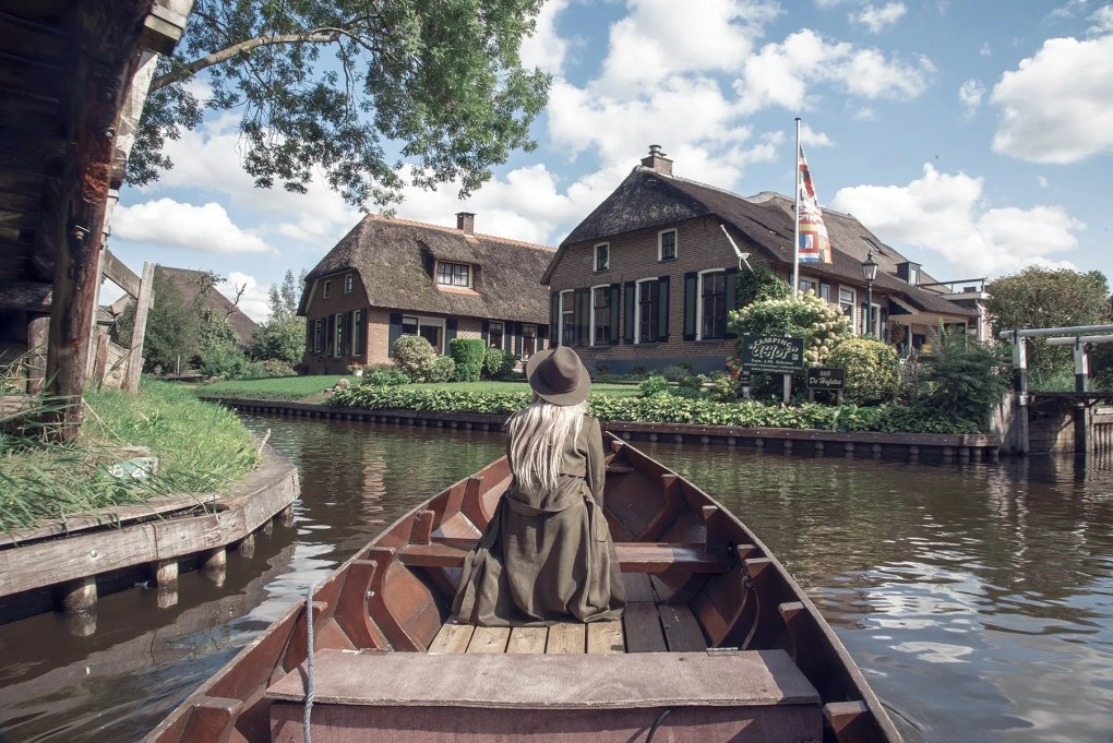 Touristic hot spots worth visiting in the Netherlands: Part 1: Giethoorn