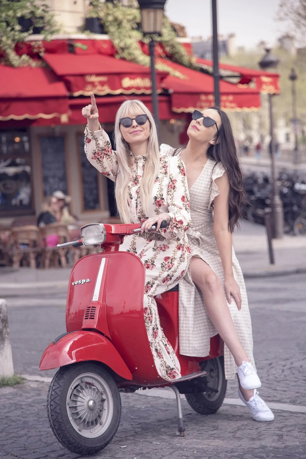 Parijs bezoeken met vespa