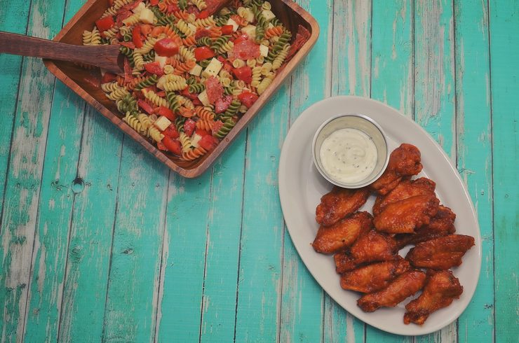 Hot Wings & Pizza Pasta Salad | #GameTimeHero #CollectiveBias #shop
