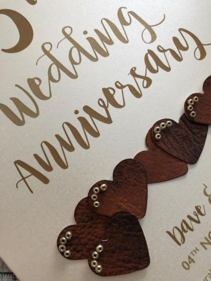 printed card hearts have a realistic 'leather' appearance