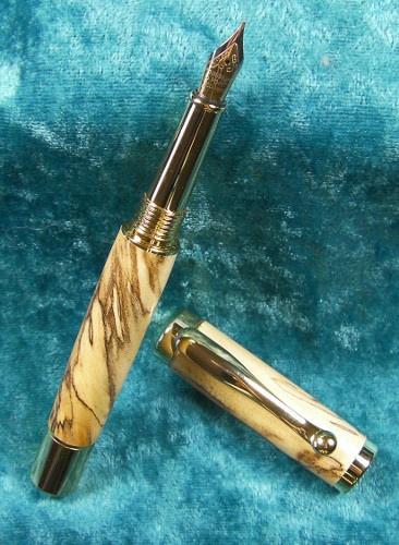 gylla wood vale fountain pen