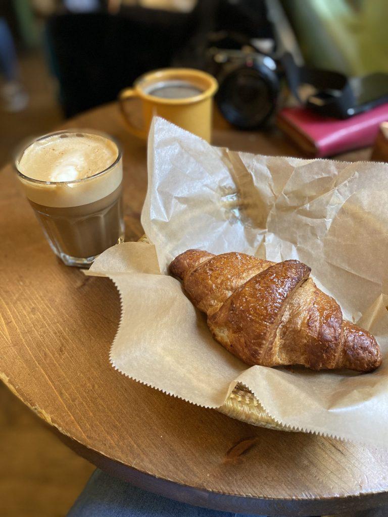Vegan Amsterdam: Vegan croissant and soya flat white at Bake My Day
